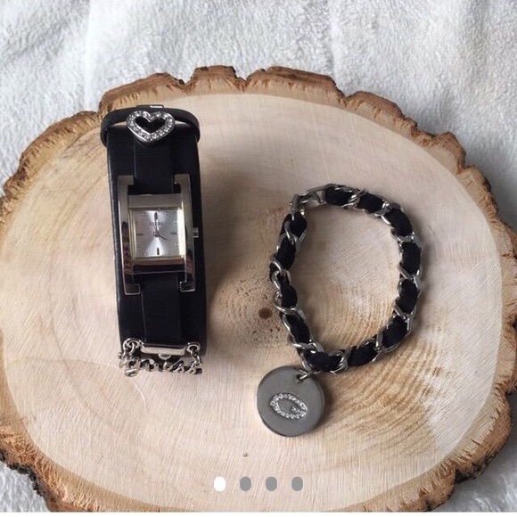 Guess Accessories - Guess Watch and Bracelet Set